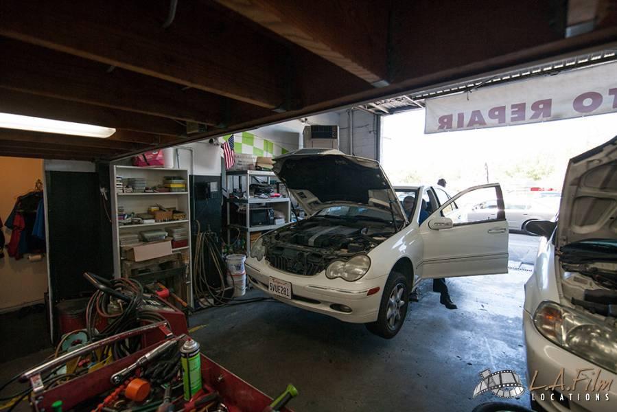 auto repair shop 2 la film locations. Black Bedroom Furniture Sets. Home Design Ideas