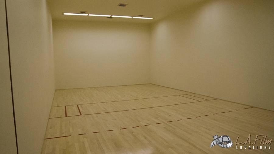 basement_basketballcourt_0001