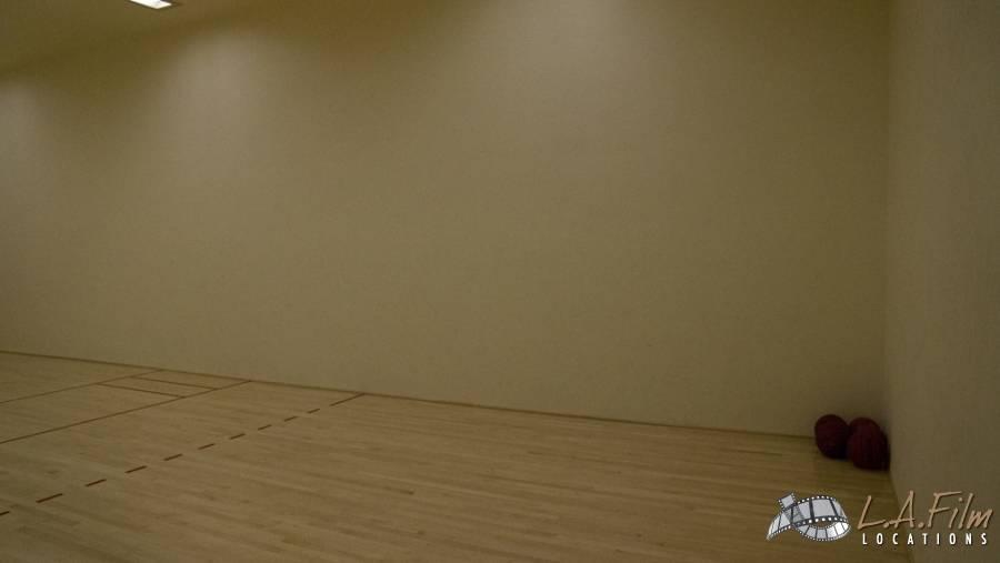 basement_basketballcourt_0002