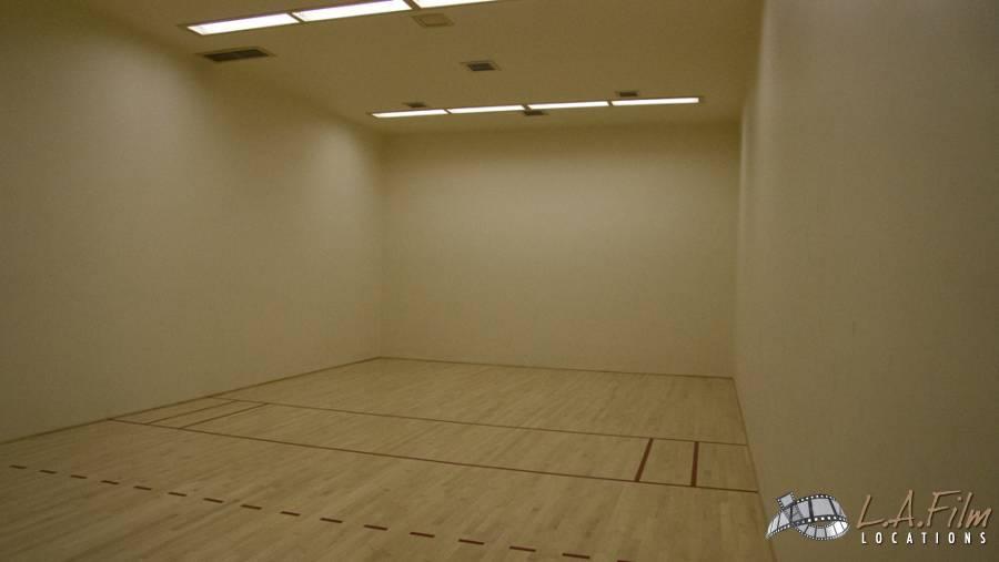basement_basketballcourt_0003