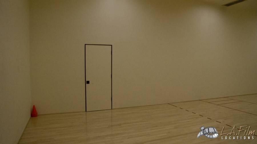 basement_basketballcourt_0004