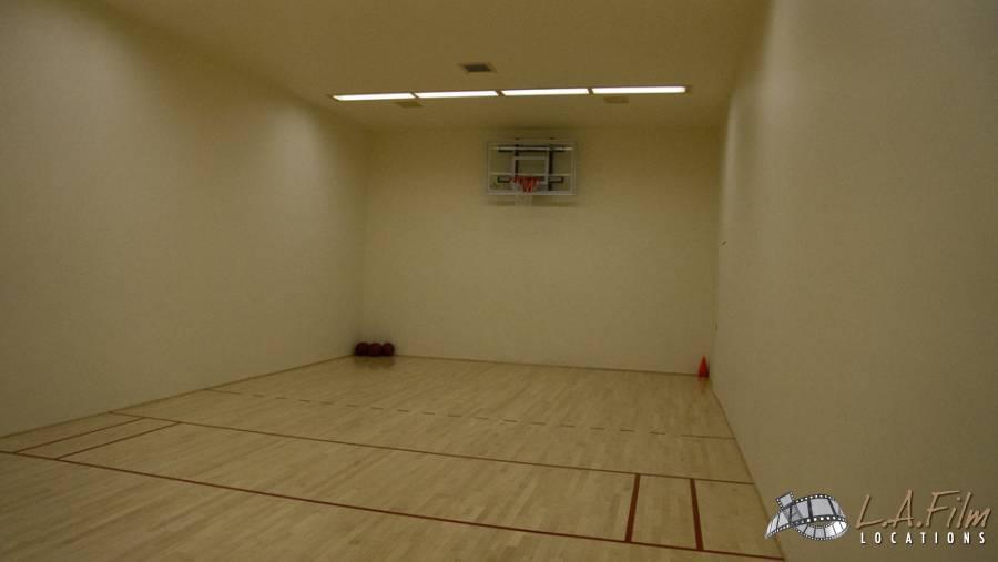 basement_basketballcourt_0006